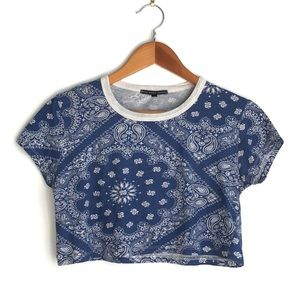 Urban Outfitters Tops - Urban Outfitters 💙 paisley crop tee